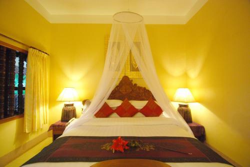 Shining Angkor Apartment Hotel