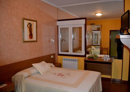 Hotel Pictures: , Laxe