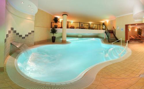 Hotel Pictures: Hotel Antoniushof, Ring- & Wellnesshotel, Ruhstorf