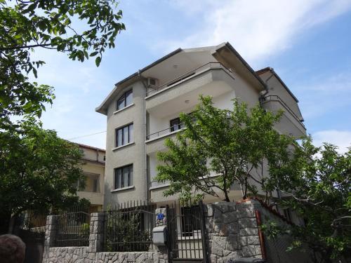 Zdjęcia hotelu: Yanevi Apartments, Czernomorec