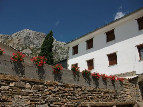 Hotel Pictures: , Vilas del Turbon