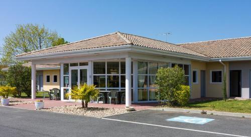 Hotel Pictures: , Montcaret