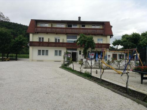 Foto Hotel: Hotel Hudelist, Krumpendorf am Wörthersee