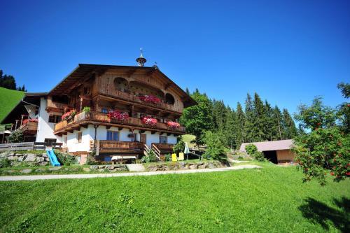 Hotel Pictures: Biobauernhof Fleckl, Hopfgarten im Brixental