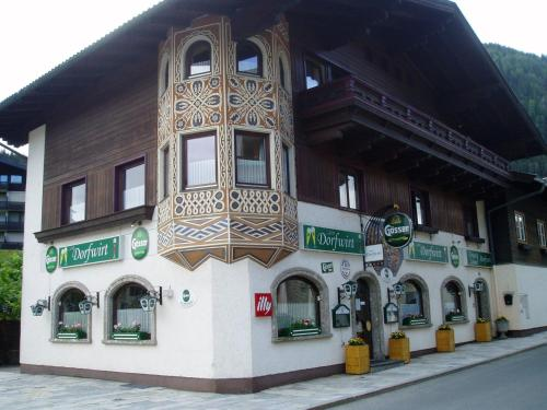 Hotellikuvia: Zum Dorfwirt, Flachau