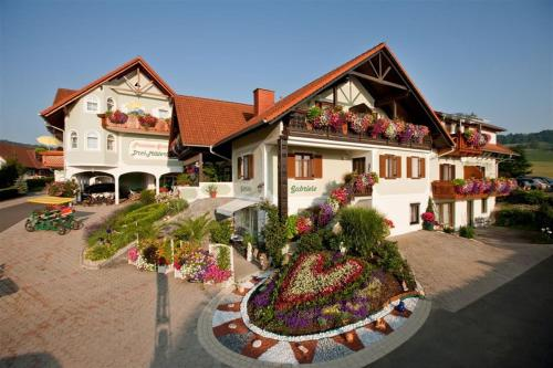 酒店图片: Hotel Garni Drei-Mäderl-Haus, Unterlamm