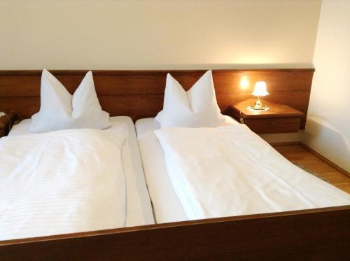 Hotellikuvia: Gasthof Kaiserin Elisabeth, Steyrling