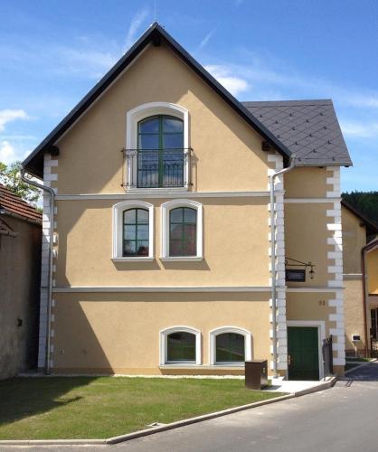 Hotel Pictures: Old House, Hradec nad Moravici