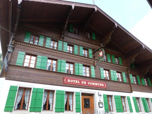 Hotel Pictures: Hotel de Commune, Rougemont