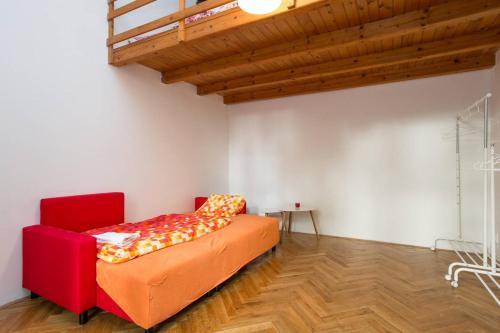 Cama ou camas em um quarto em Calm Vinohrady apartment 5 minutes from the centre