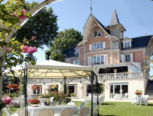 Hotel Pictures: , Villenavotte