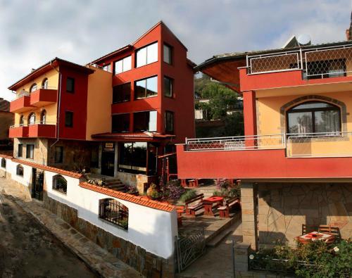 Фотографии отеля: Armira Family Hotel, Ivaylovgrad