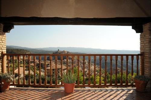 Hotel Pictures: Albergue Rural de Guara, Alquézar