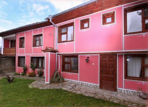 Hotellbilder: Nenchova Guest House, Koprivshtitsa