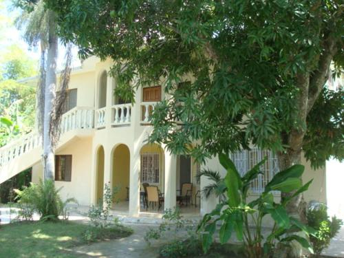 Ocean Wave Villa, Negril