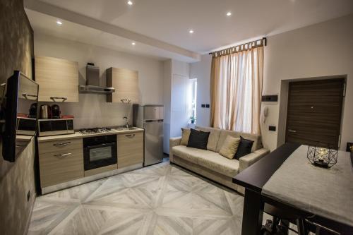A cozinha ou cozinha compacta de Castle Apartment near Duomo