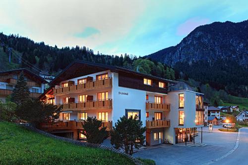 Hotel Pictures: Pension Bergkristall, Brand