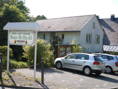 Hotel Pictures: Hotel Haus Hellhohl, Brilon