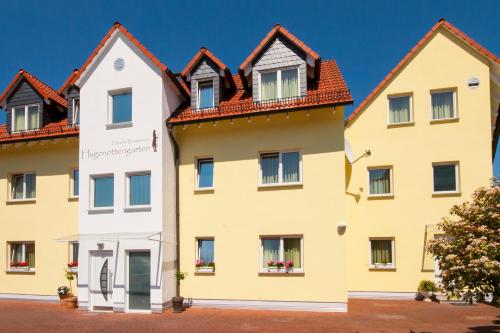 Hotel Pictures: Hotel & Restaurant Hugenottengarten, Friedrichsdorf