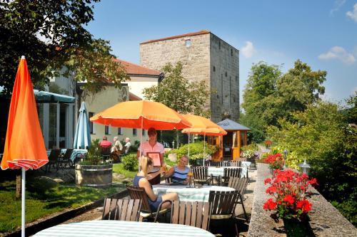 Foto Hotel: Hotel Zum Goldenen Hirschen, Freistadt