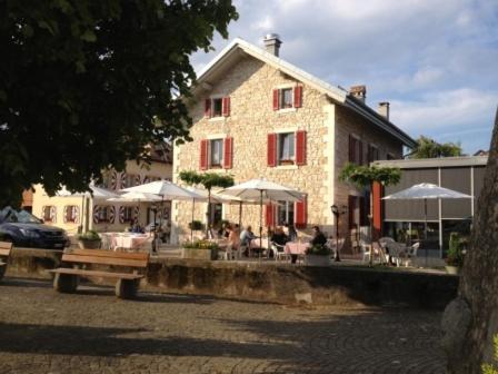 Hotel Pictures: Au Boeuf Rouge, Crassier