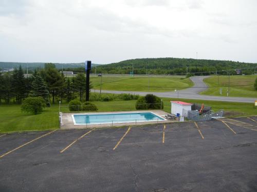 Hotel Pictures: Canada's Best Value Inn & Suites - Woodstock, Woodstock