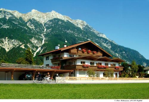 Foto Hotel: Komfort Apartments Zufriedenheit, Leutasch