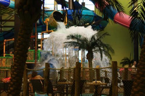 Maui Sands Resort & Indoor Water Park