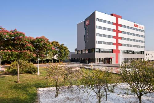 Hotel Pictures: , Ripollet