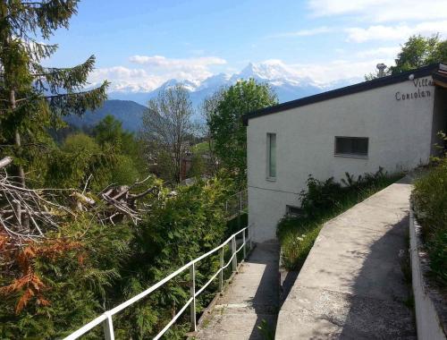 Hotel Pictures: Villa Coriolan, Leysin