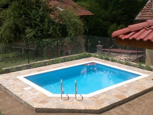 Hotellikuvia: Villa Nanevi, Teteven