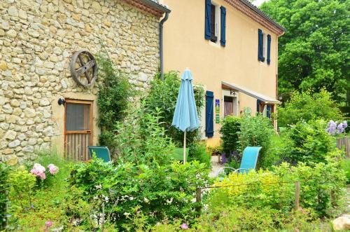 Hotel Pictures: , Saint-Julien-en-Quint