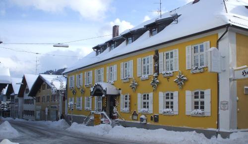 Hotel Pictures: Brauerei-Gasthof Hotel Post, Nesselwang