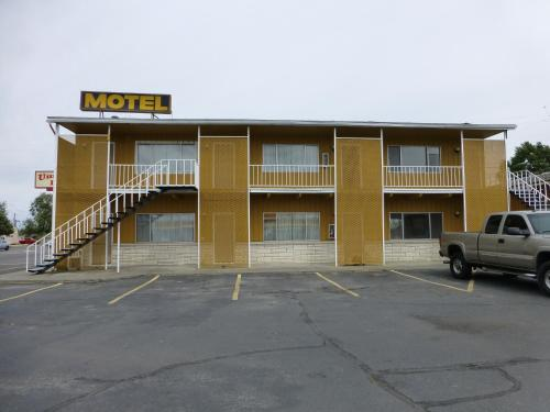 Umatilla Inn & Suites