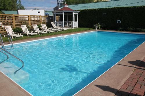 Hotel Pictures: Willow Bend Motel, Truro
