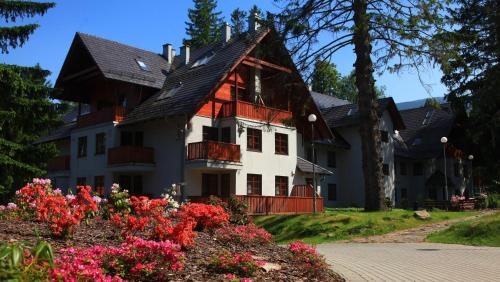 Apartamenty Rezydencja Pod Świerkami - SunSeasons24