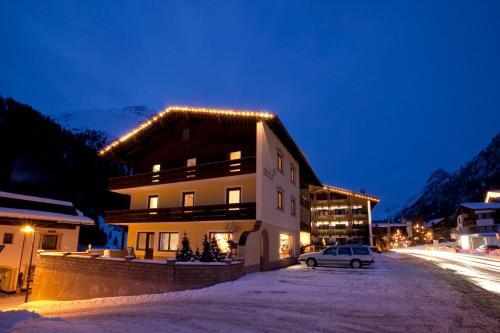 Hotellikuvia: Pension Anna, Sankt Leonhard im Pitztal