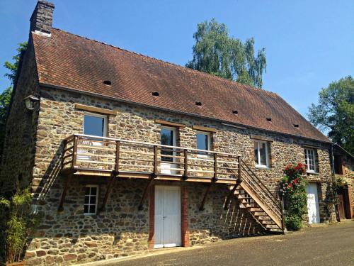 Hotel Pictures: Gîte du Moulin du Vey, Clécy