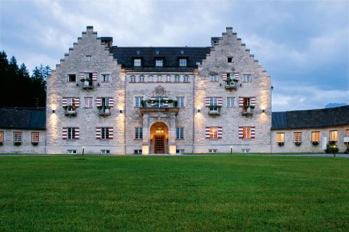 Hotel Pictures: Das Kranzbach - Superior, Krün