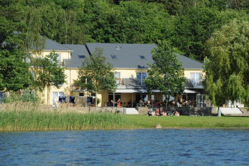 Hotel Pictures: Strandhaus am Inselsee, Güstrow