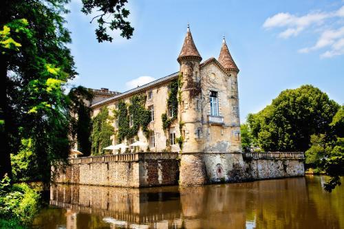 Hotel Pictures: Chateau Lamothe du Prince Noir - B&B, Saint-Sulpice-et-Cameyrac