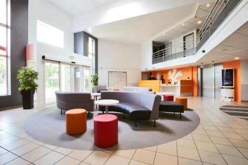 Hotel Pictures: Premiere Classe Roissy CDG - Paris Nord 2 - Parc des Expositions, Roissy-en-France