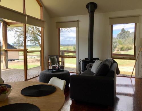 אזור ישיבה ב-Yering Gorge Cottages