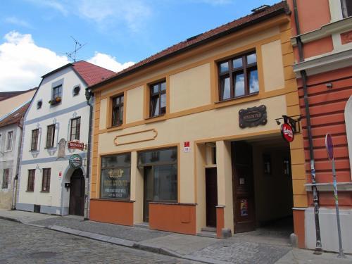 Hotel Pictures: Hostel Singer Pub, České Budějovice