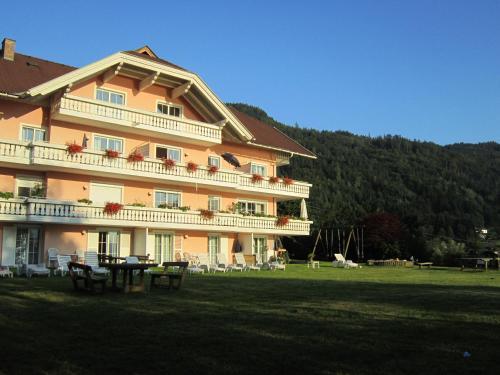 Fotos do Hotel: Appartementhaus Karantanien am Ossiacher See, Ossiach