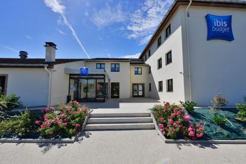 Hotel Pictures: ibis budget Marne la Vallée, Saint-Thibault-des-Vignes