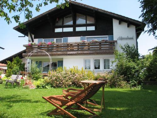 Hotel Pictures: Gästehaus Alpenland, Halblech