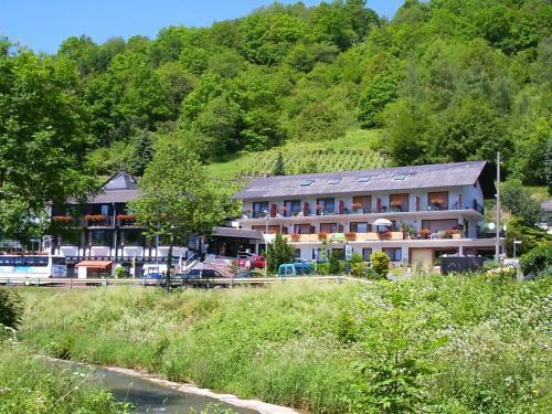 Hotel Pictures: , Weinähr