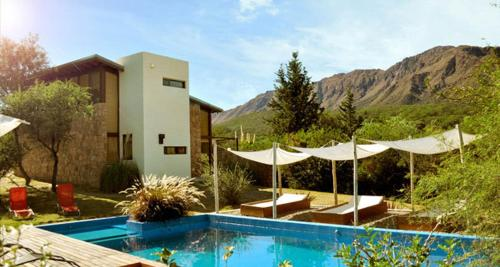 Hotel Pictures: La Lomada Cabañas, Capilla del Monte