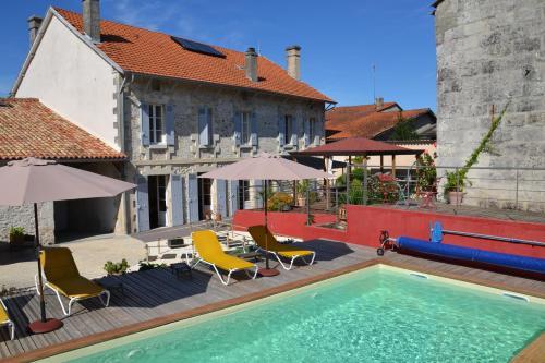 Hotel Pictures: , La Roche-Chalais